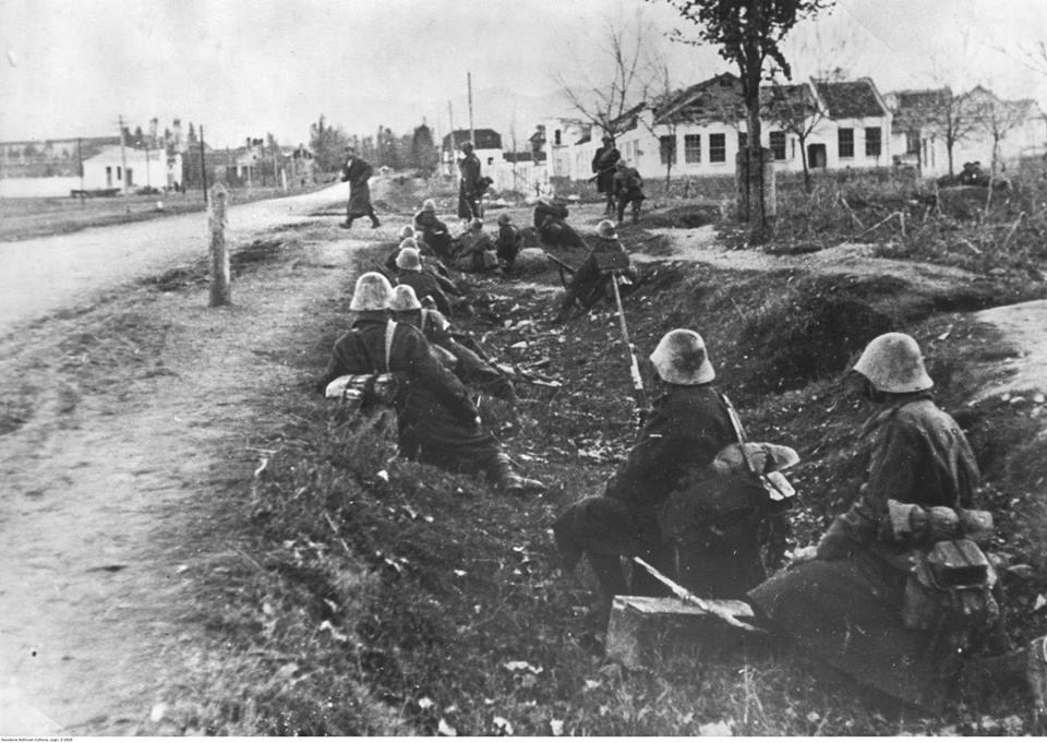Румынские войска в Нальчике. Октябрь 1942 г.