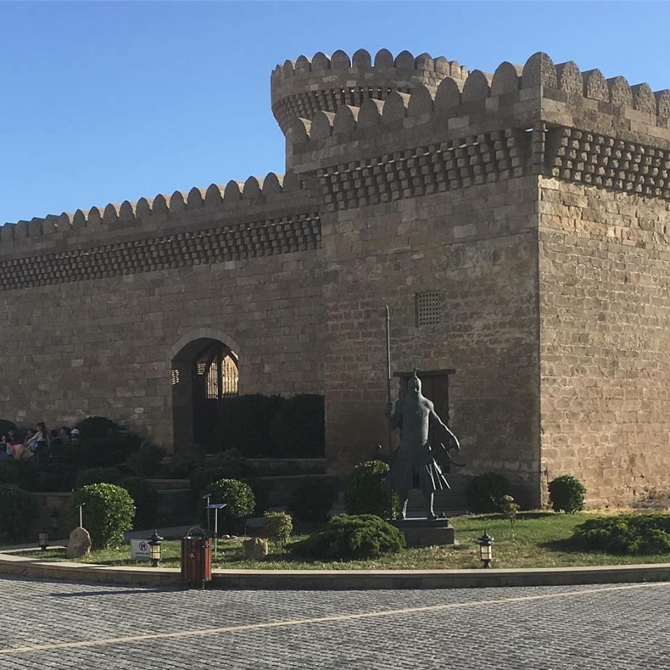 Гала в Азербайджане