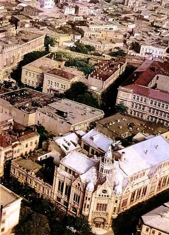 История строительства Дворца Счастья в Баку.....
