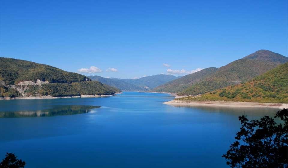 Где поплавать и позагорать недалеко от Тбилиси?