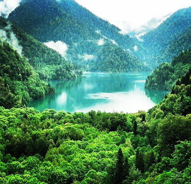 Легенды: Озеро Рица в Абхазии