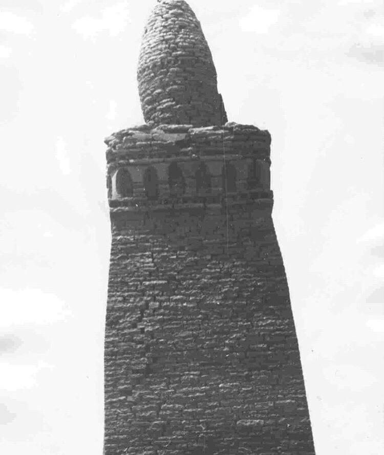 Джума-мечеть с минаретом. Республика Дагестан, Ахтынский район, с. Хрюг