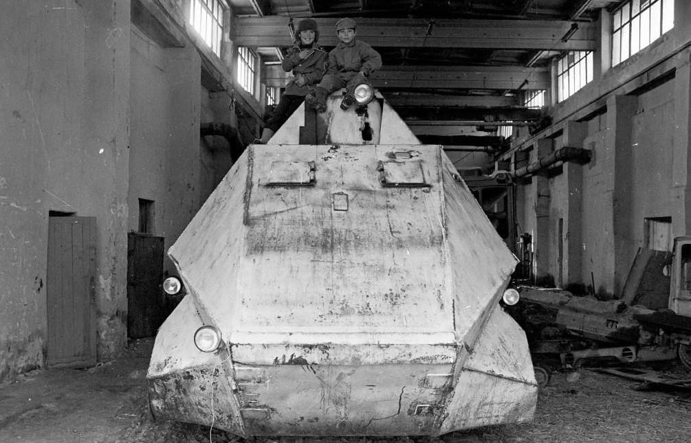 Самодельные юго-осетинские танки, бронемашины и минометы в период войны с Грузией 1991-1992.