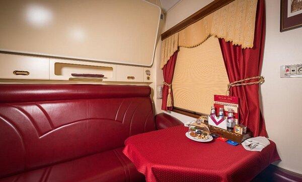 Только для богатых: самый дорогой поезд Москва-Питер