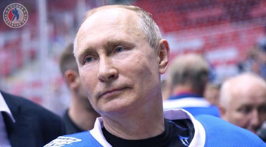 Путин упал на хоккейном матче в Сочи. А перед этим забил 8 шайб