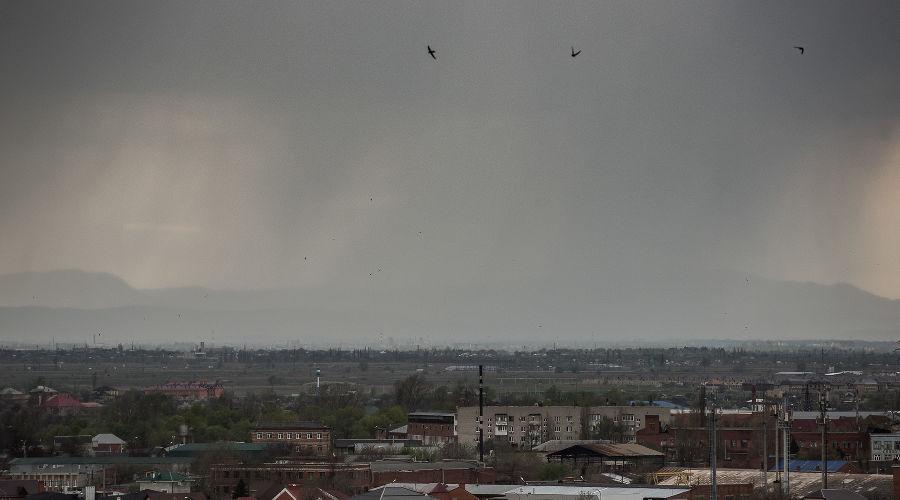 На юге России прогнозируют ливни с грозой и градом