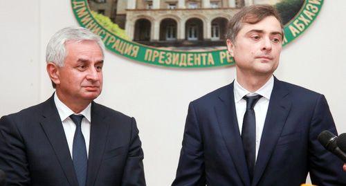 Визит Суркова обозначил интересы Кремля в выборах президента Абхазии