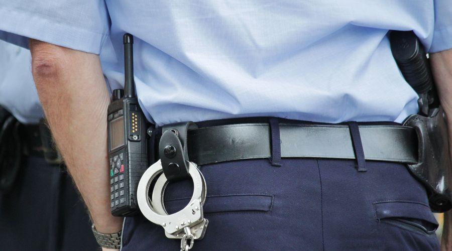 В Кабардино-Балкарии полицейский избил парней, чтобы добиться признания в краже