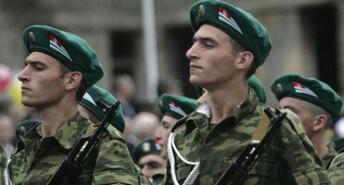 Путин распорядился выделить деньги для армии Абхазии