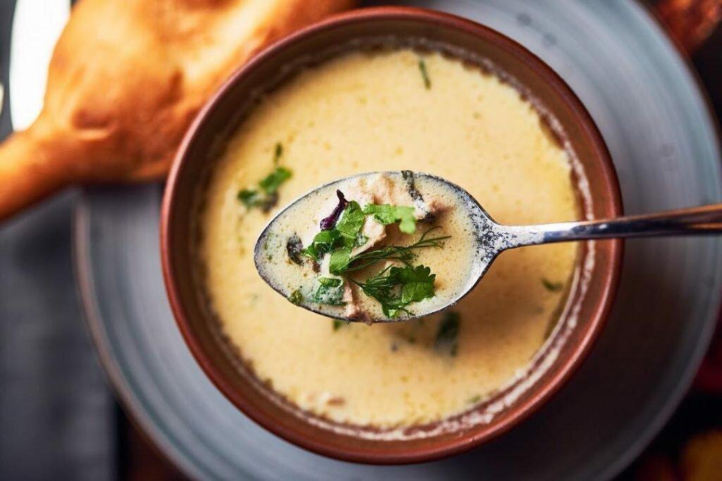 Грузинский суп чихиртма: как приготовить этот необычный куриный суп?