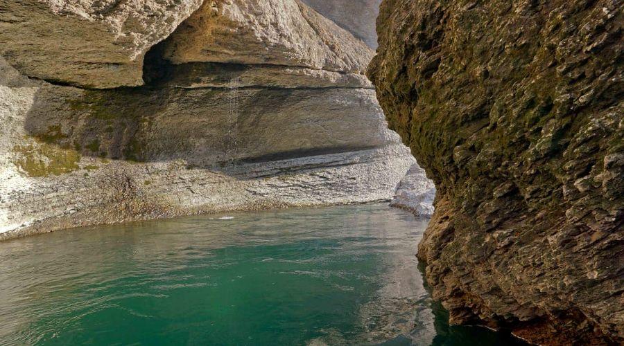 В Адыгее дайверы исследовали дно реки в Хаджохской теснине