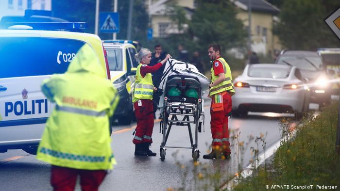 В Норвегии устроившему стрельбу в мечети под Осло предъявили обвинения