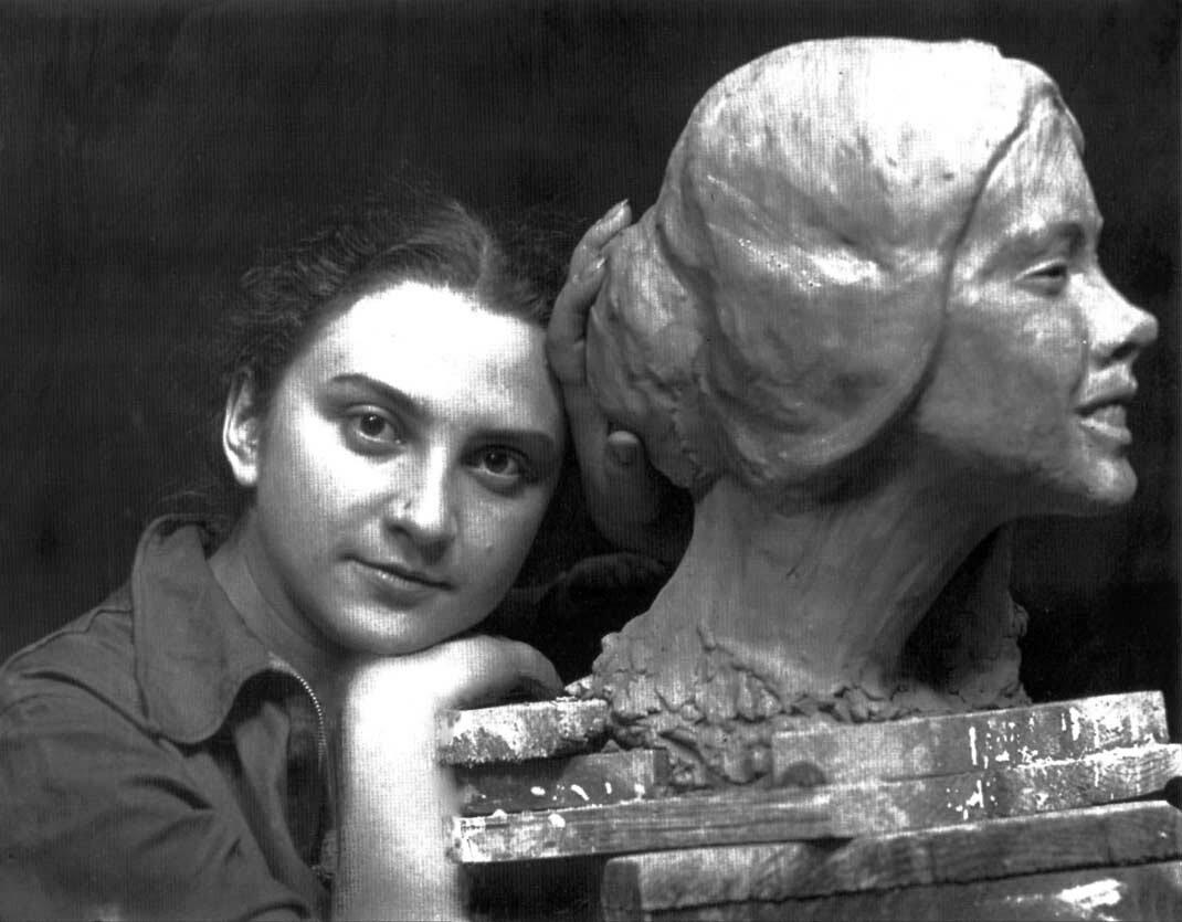 Айцемик Урарту: что знать о первой даме-скульпторе