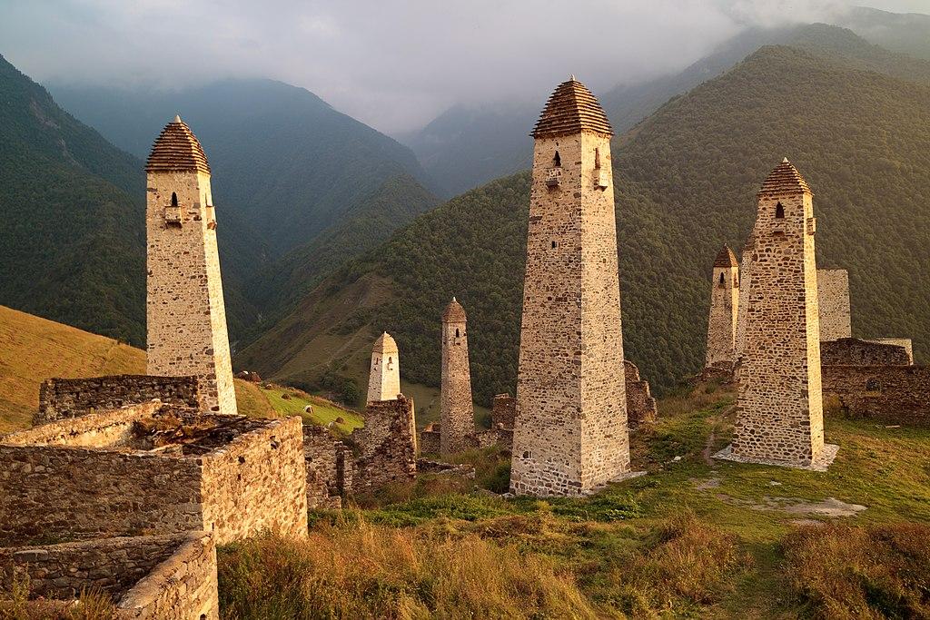 Зачем и как чеченцы и ингуши строили такие огромные башни