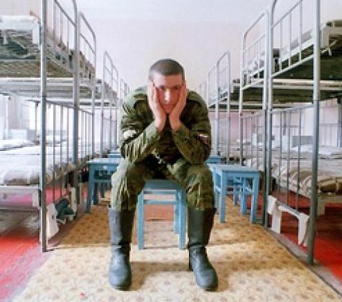 Однажды в армии за своё сочувствие и жалость выхватил табуреткой по голове