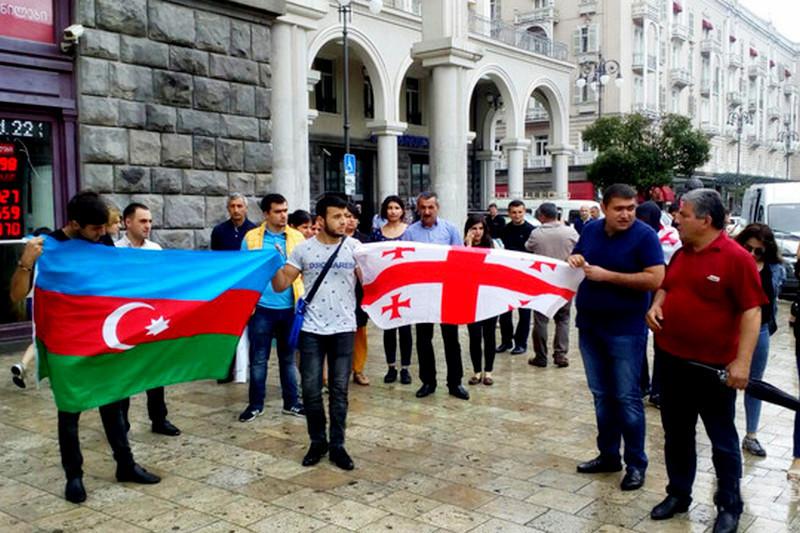 Как относятся друг к другу грузины и азербайджанцы?