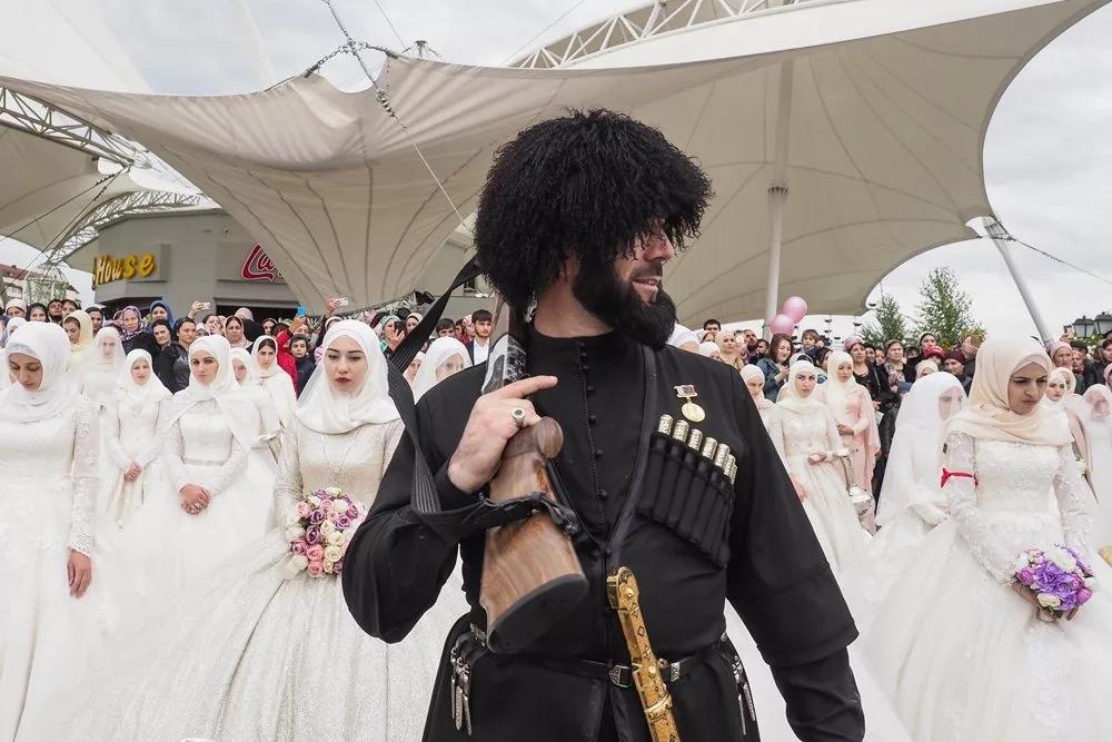 Топ-10 самых знаменитых фото из Чечни: как были сделаны и кто их автор