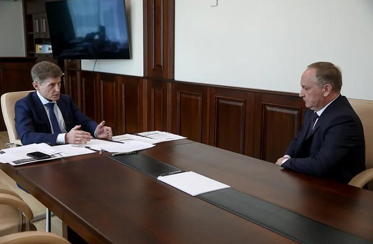 Олег Кожемяко снова раскритиковал мэра Владивостока из-за беспорядка