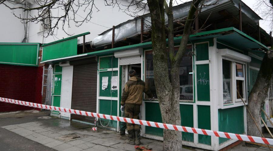 На Кооперативном рынке в Краснодаре снесли три киоска